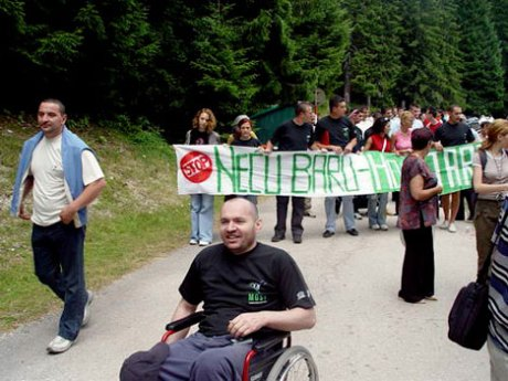 Protest na Crnoj Jezeru 2004 godine